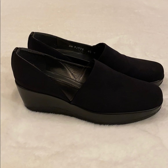 Stuart Weitzman Black Wedge Round Toe Shoe